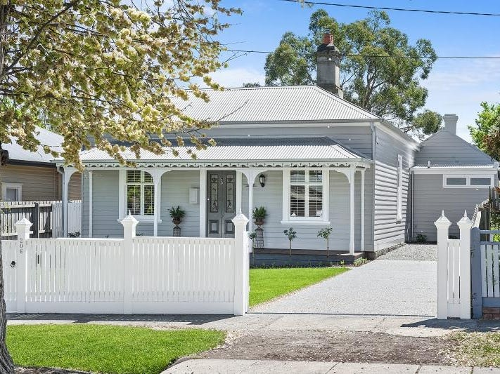 206 Brougham Street, Soldiers Hill, Vic 3350
