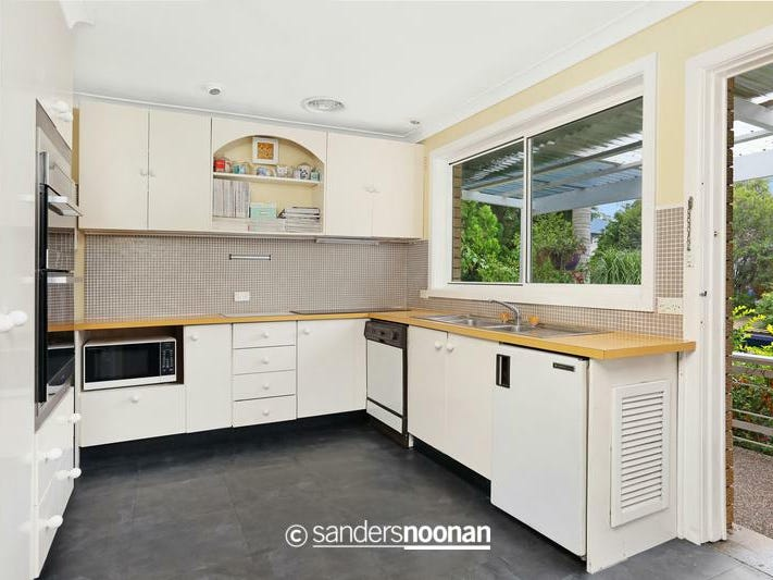 14 Lilydale Avenue, Peakhurst, NSW 2210