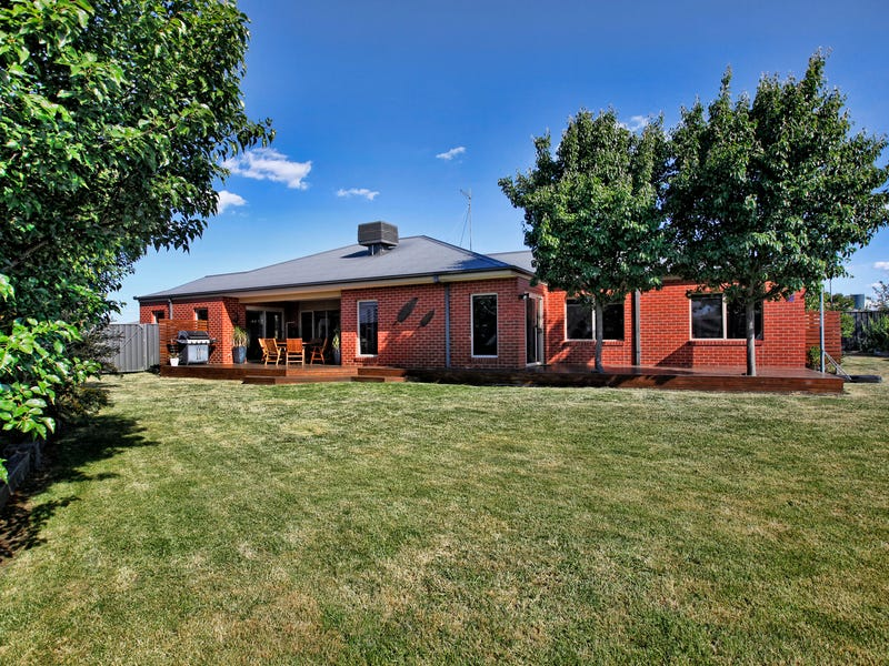 15 Jessie Evelyn Crescent, Kyneton, Vic 3444