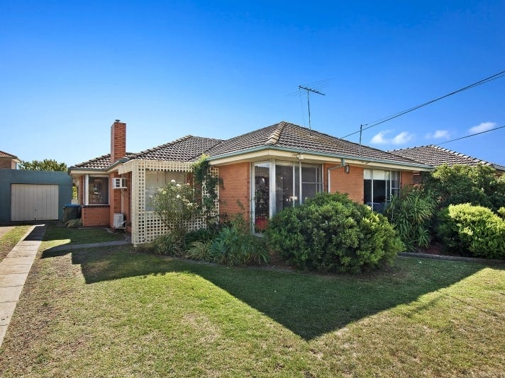 18 Moffatt Crescent, Hoppers Crossing, Vic 3029