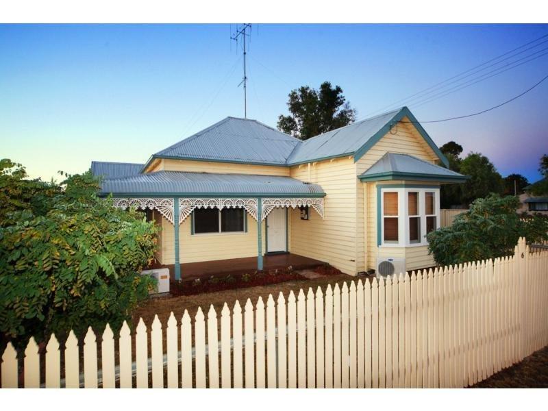 86 Crispe Street, Deniliquin, NSW 2710