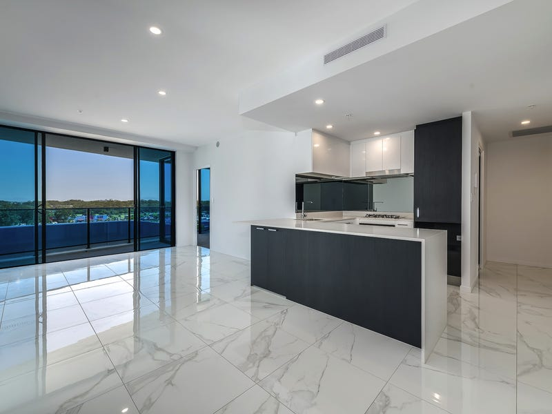 5 Harbour Side Ct, Biggera Waters, Qld 4216
