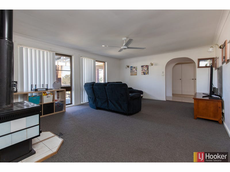 1 Karlowan Place, Forster, NSW 2428