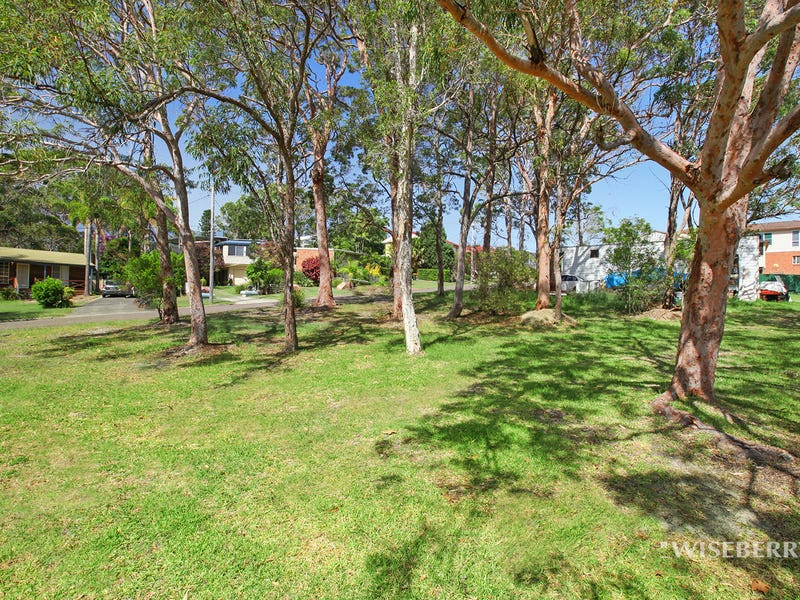 1  Lena Avenue, Lake Munmorah, NSW 2259