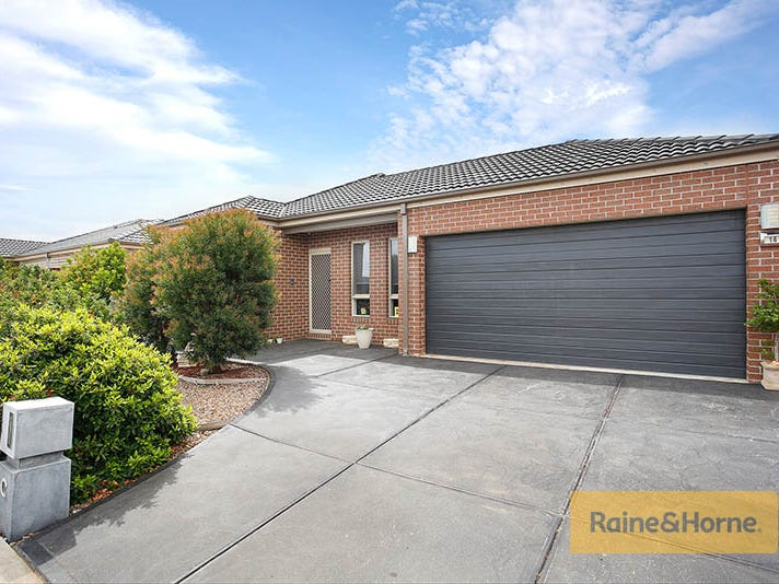 16 Chanticleer Avenue, Melton West, Vic 3337