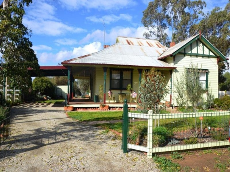 14 Gordon Street, Boort, Vic 3537