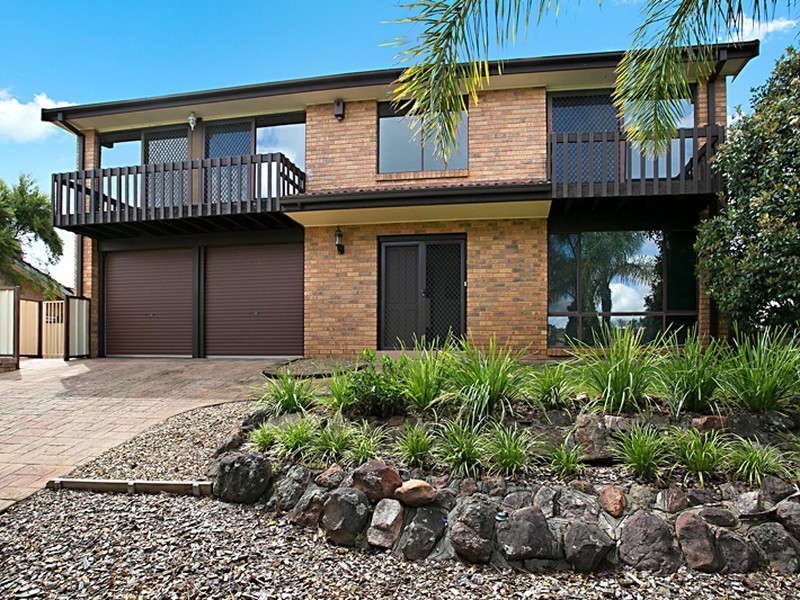 9 Yangtze Place, Kearns, NSW 2558