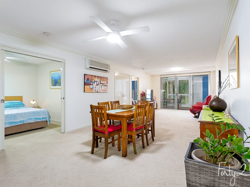 207/89 Landsborough Ave, Scarborough, Qld 4020