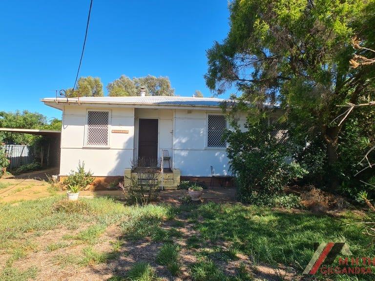 27 Wamboin Street, Gilgandra, NSW 2827