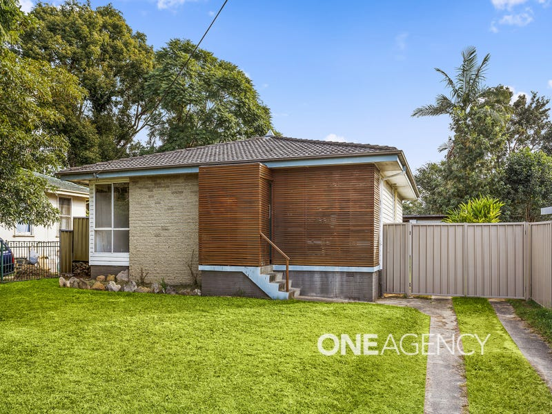74 Sampson Crescent, Bomaderry, NSW 2541