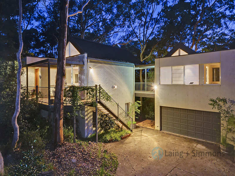 17A Manor Road, Hornsby, NSW 2077