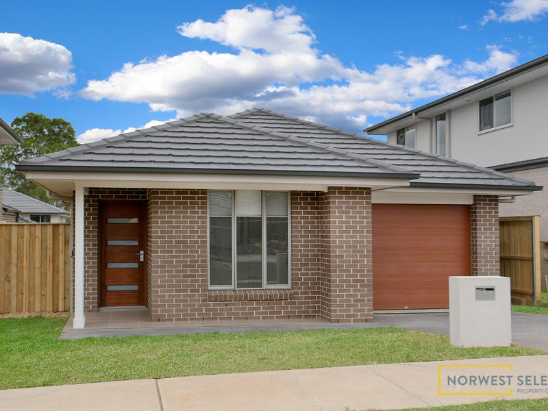 99 Dalmatia Ave, Edmondson Park, NSW 2174