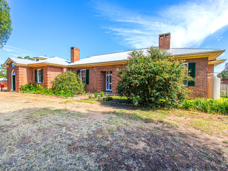 2 Edward Square, Greenethorpe, NSW 2809