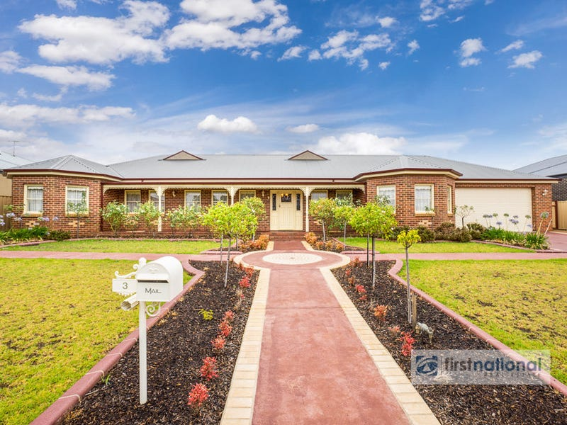3 Runnymeade Lane, Brookfield, Vic 3338