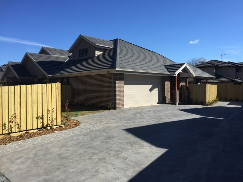 8/3 Purcell Street, Bowral