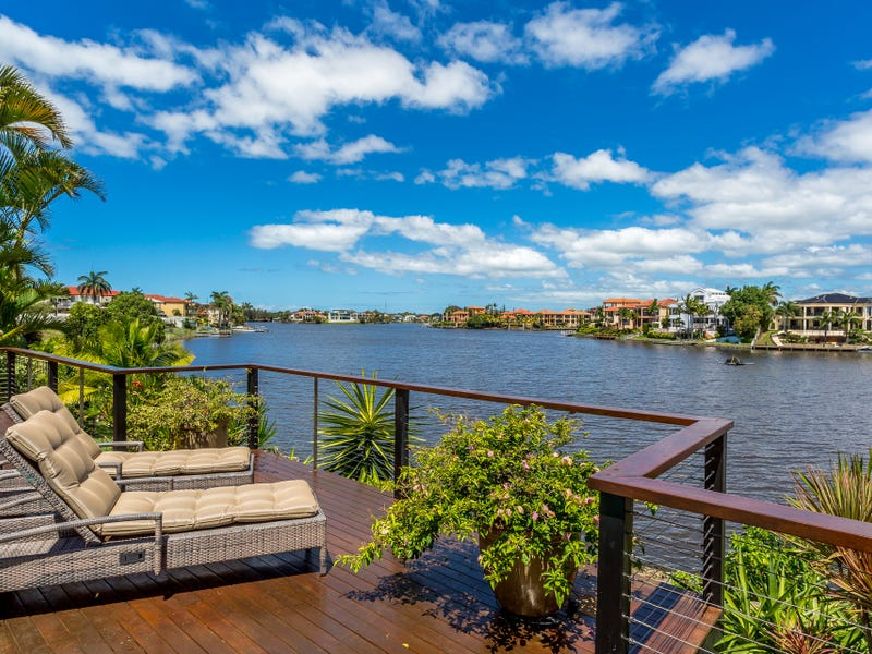 58 Montevideo Drive, Clear Island Waters, Qld 4226