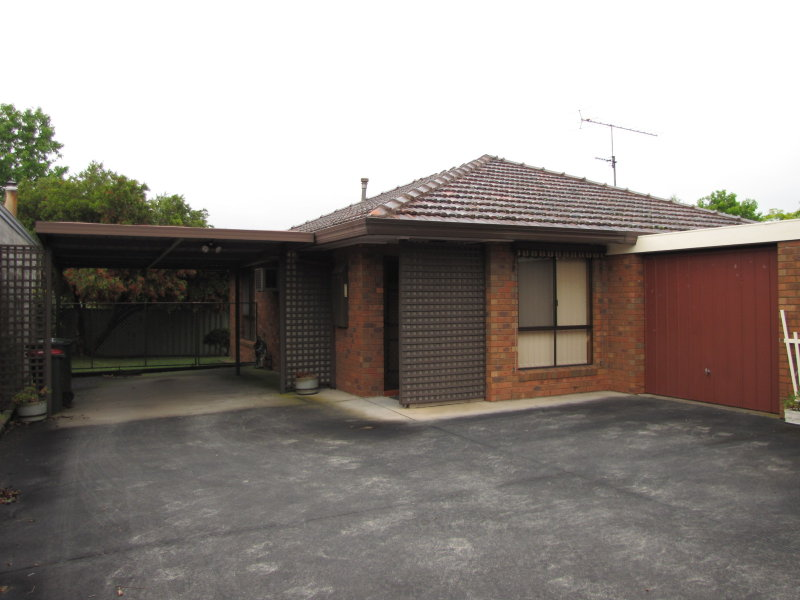 Unit 2/4 Colli Drive, Newborough, Vic 3825
