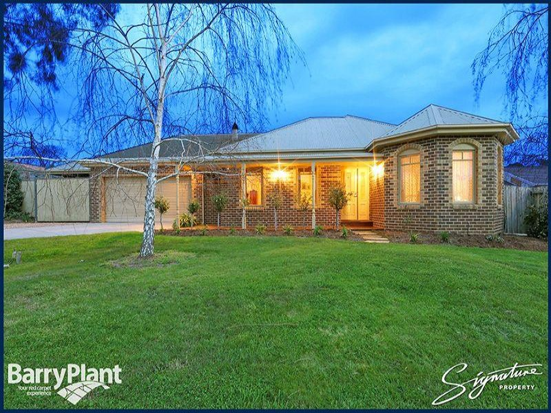 15 Brooklyn Bay Close, Rowville, Vic 3178