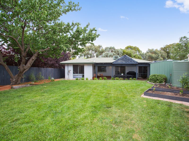 9 Tari Close, Ngunnawal, ACT 2913