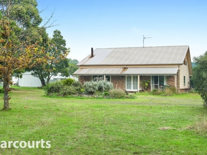 110 Clarkes Road, Enfield, Vic 3352