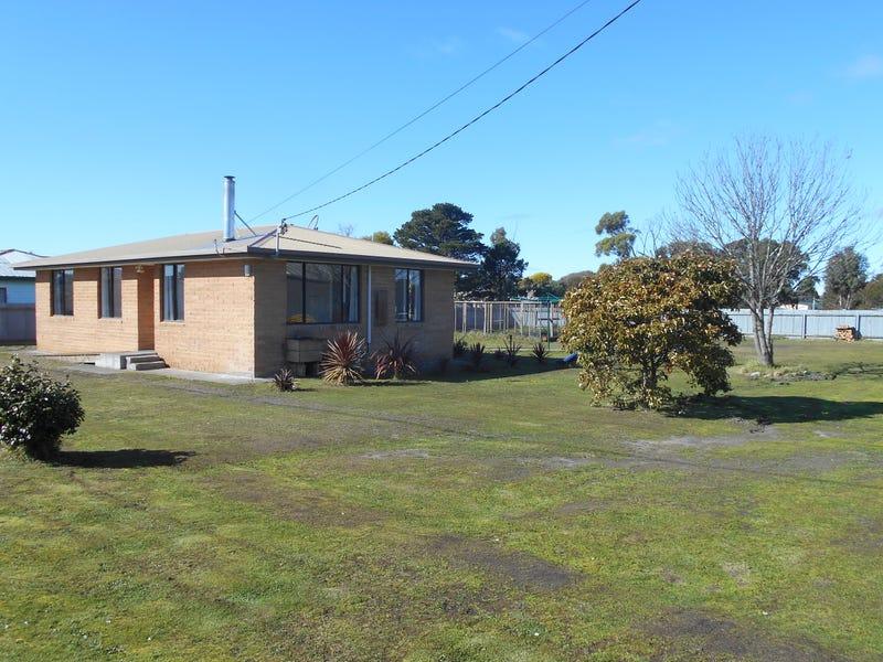 8 Victoria Street, Triabunna, Tas 7190