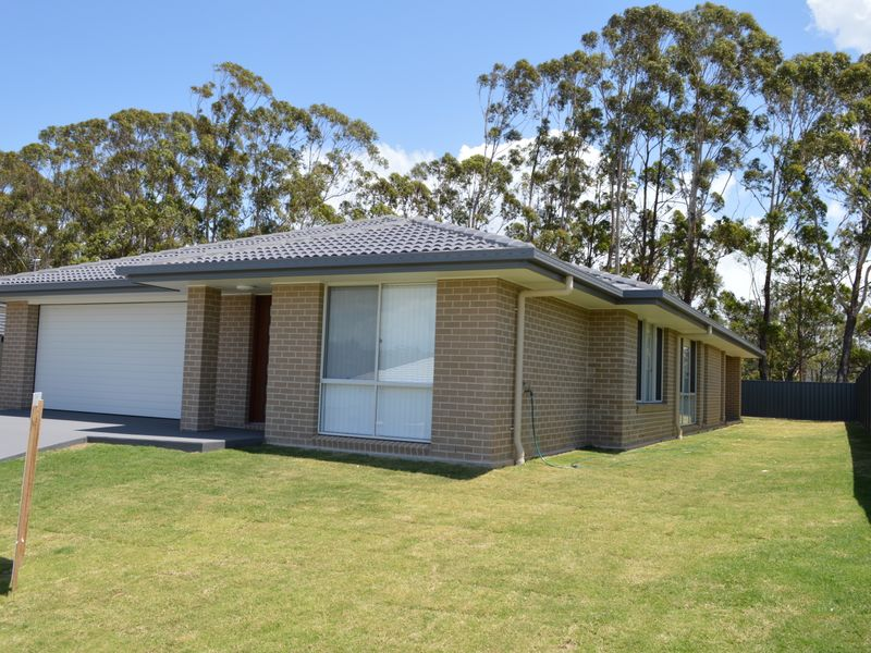 5 Humpback Crescent, Safety Beach, NSW 2456