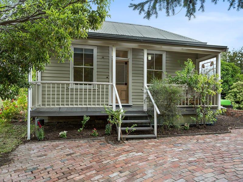 12 Balmoral Street, Sandy Bay, Tas 7005