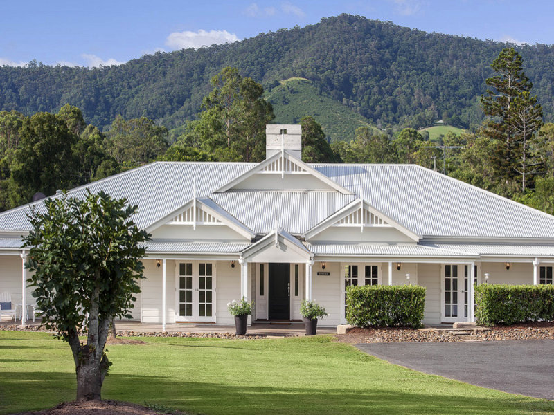 7 teatree close samford valley qld 4520 property details for Farmhouse floor plans australia