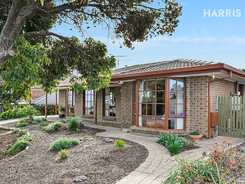 196 Perry Barr Road, Hallett Cove, SA 5158