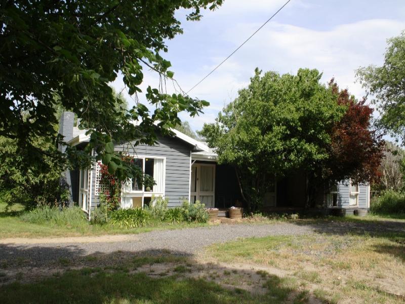 7 White Bridge Road, Cobaw, Vic 3442