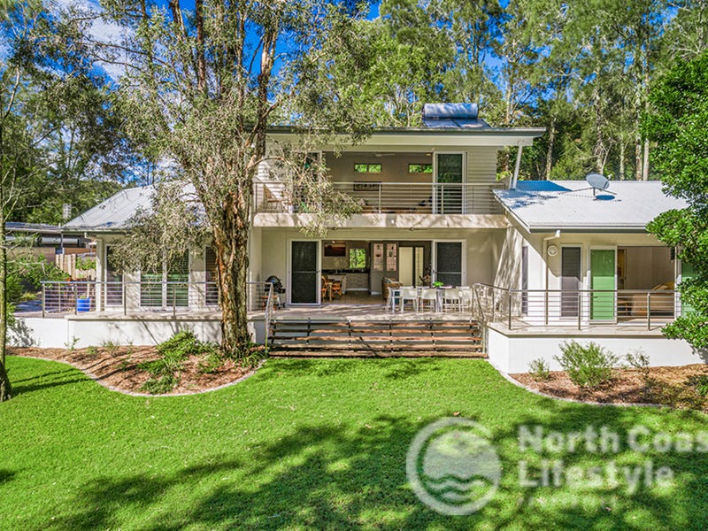 35 Hardy Avenue, Ocean Shores, NSW 2483
