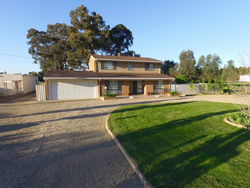 17 Gregadoo Road, Lake Albert, NSW 2650