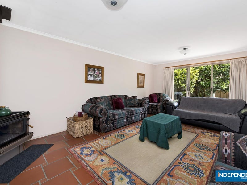 9 Robin Place, Gordon, ACT 2906