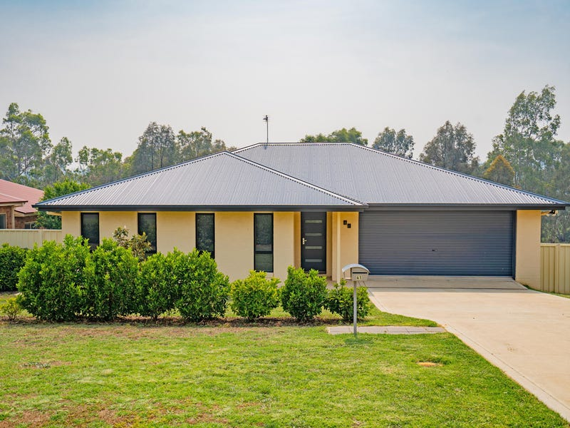 41 John Potts Dr, Junee, NSW 2663