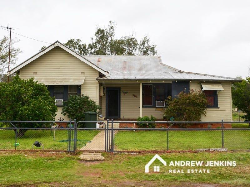 44 Coreen St, Oaklands, NSW 2646