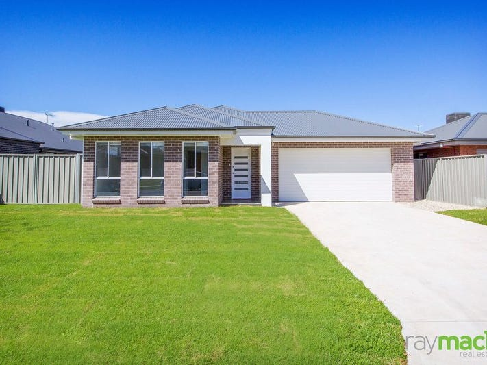 24 Cambridge Drive, Thurgoona, NSW 2640