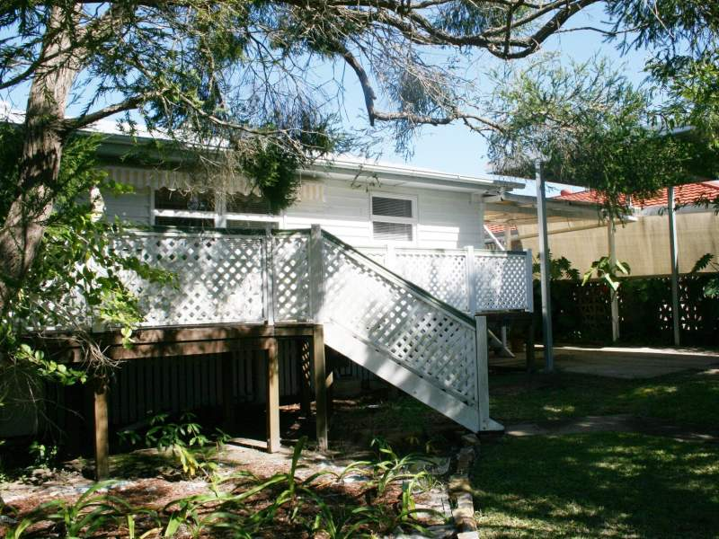 11 Barnstaple, Torquay, Qld 4655