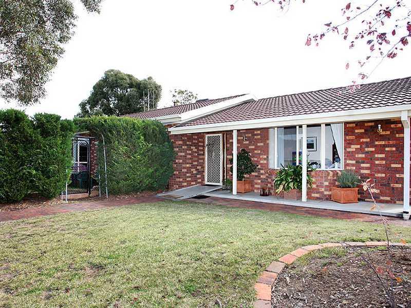 8 Franklin Court, Jerrabomberra, NSW 2619