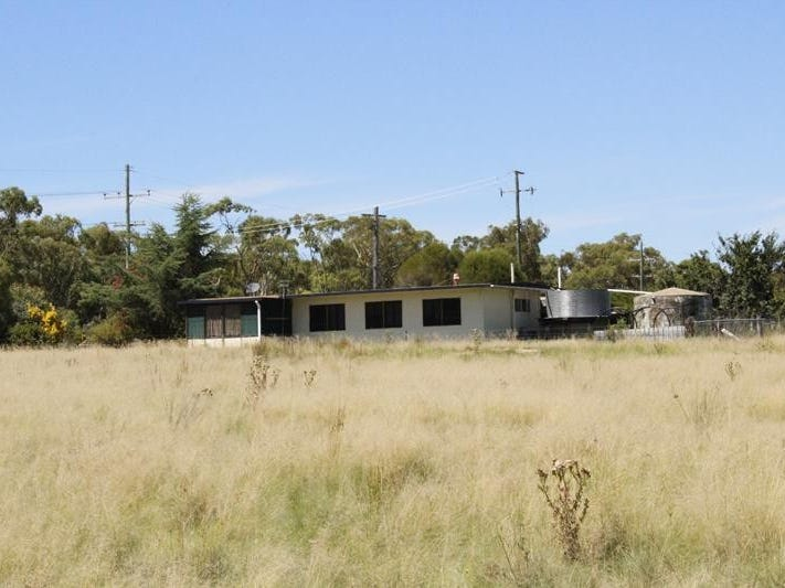 28064 New England Highway, Ballandean