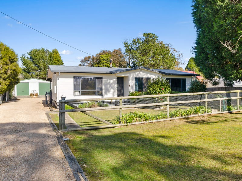 69 Bowral St, Welby, NSW 2575