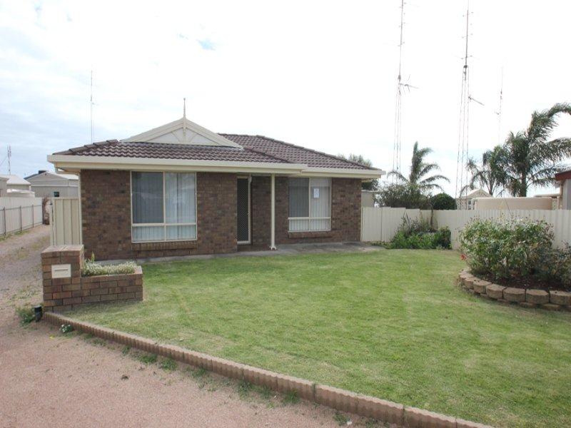 4 Marilyn Street, Moonta Bay, SA 5558