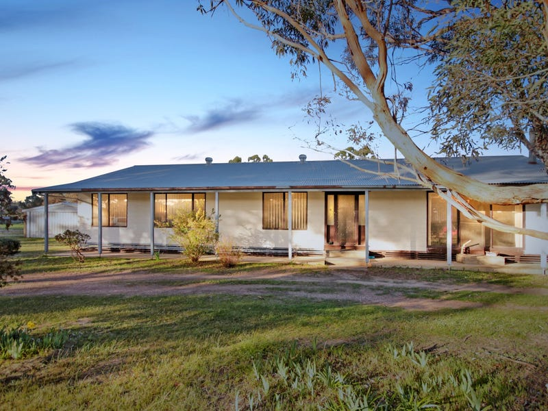 205 Dehnerts Road (Daisy Hill), Maryborough, Vic 3465