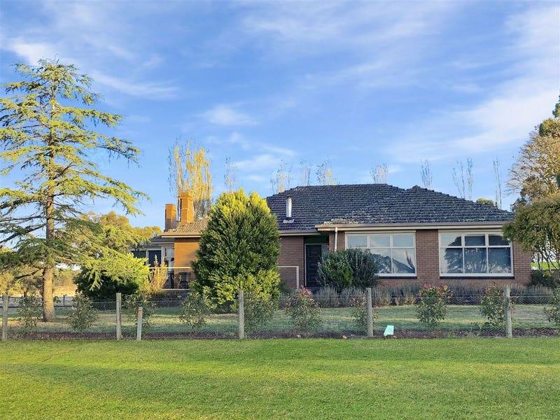 196 Spratlings Road, Ross Creek, Vic 3351