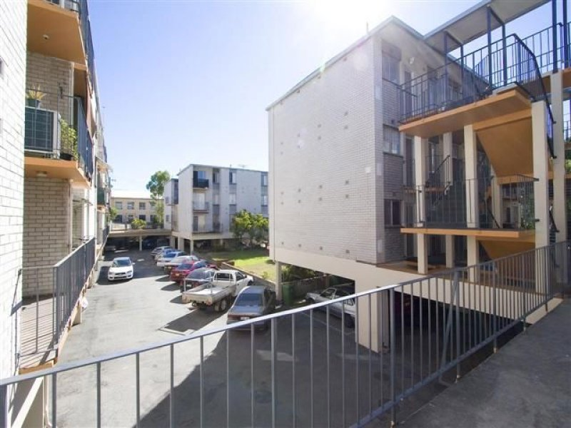 3/156 Whatley Crescent, Maylands