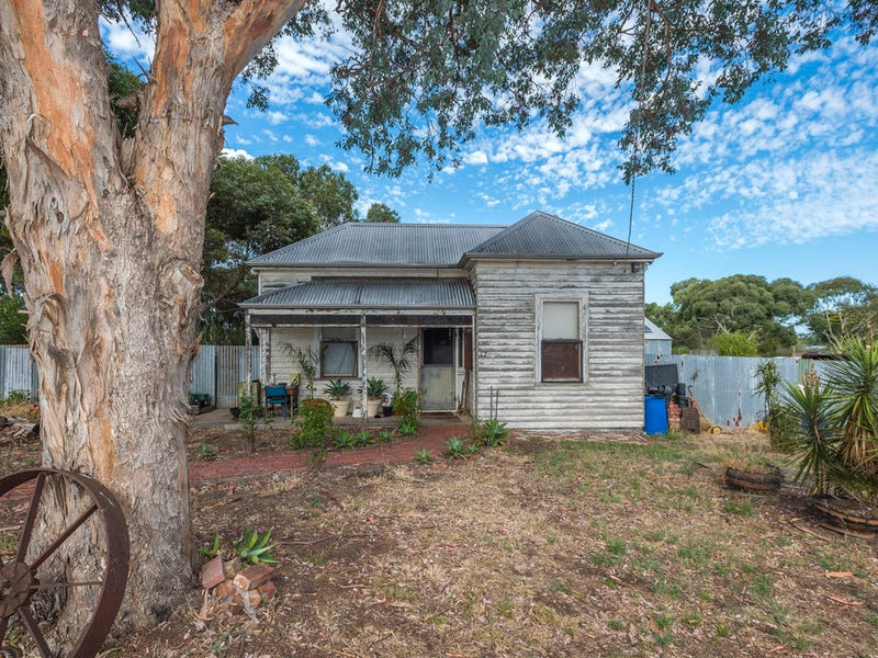 17 Newstead Road, Maldon, Vic 3463