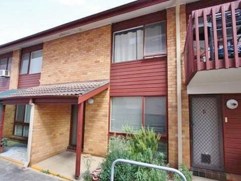 4/11 Warby Street, Campbelltown, NSW 2560