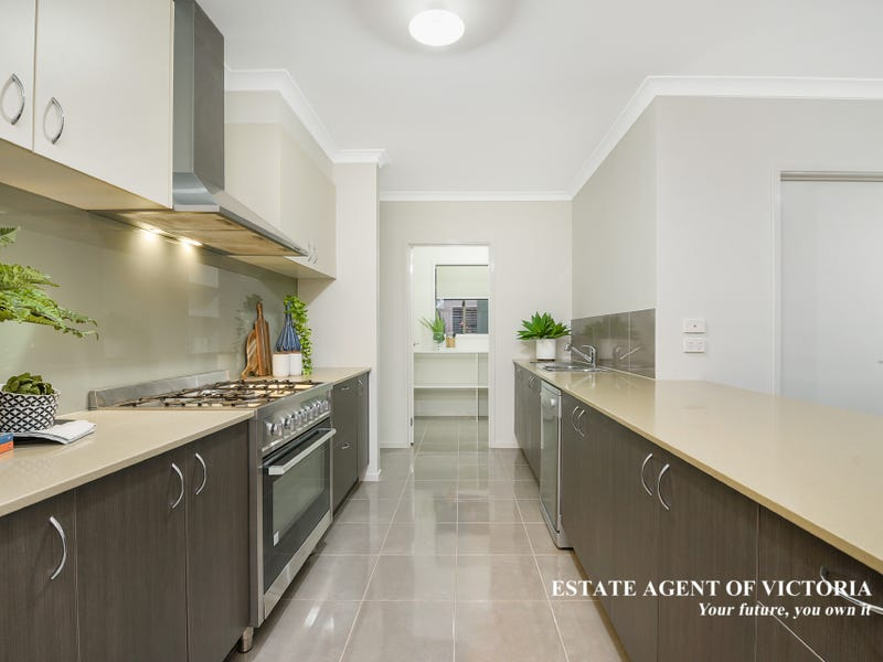 3 Ventasso Street, Clyde North, Vic 3978