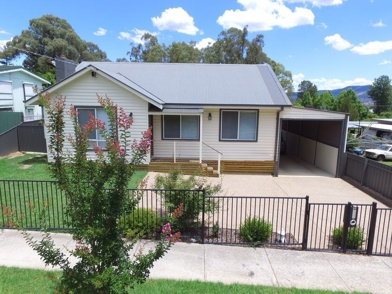 21 Swinburne Avenue, Myrtleford, Vic 3737