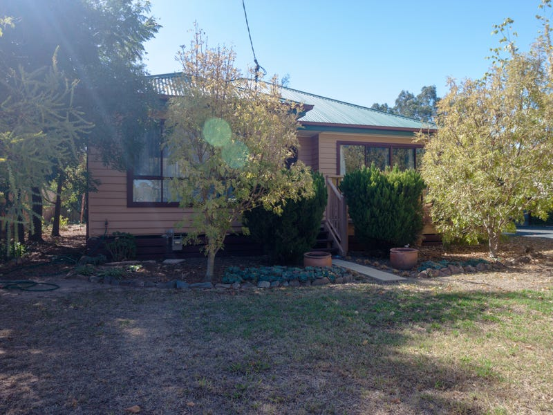 48 Henty Street, Culcairn, NSW 2660
