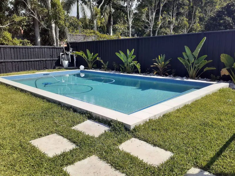 35 Sigatoka Place, Clear Island Waters, Qld 4226